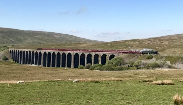 Flying Scotsman crossing the Ribblehead Viaduct